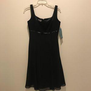 Black cocktail dress. London Times size 4. New